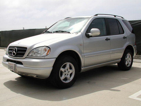 2001 Mercedes-Benz ML320