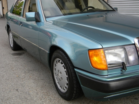 Find a cheap used 1993 mercedes benz 300e 3 2 in orange for Buy cheap mercedes benz
